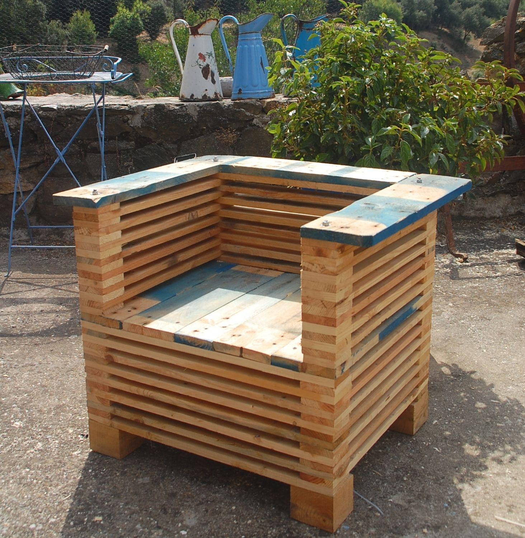 un fauteuil club en palettes les inventifs projets en bois de palette