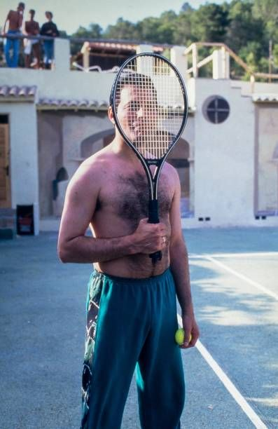 Freddie Mercury on the tennis court at Pikes Hotel in Ibiza on May 28, 1987 in Ibiza, Spain. (Photo by FG/Bauer-Griffin/Getty Images) 170612F1
