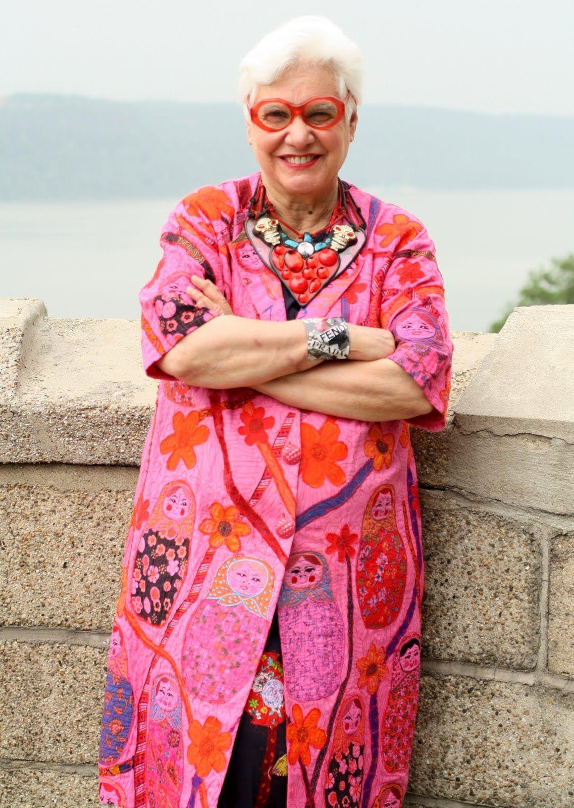 Sue Kreitzman | ropa y mujeres con onda. | Pinterest | Ondas y Ropa
