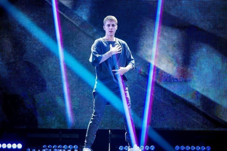 Pop singer Justin Bieber after walking off stage: 'I'm not a robot' #Entertainment_ #iNewsPhoto