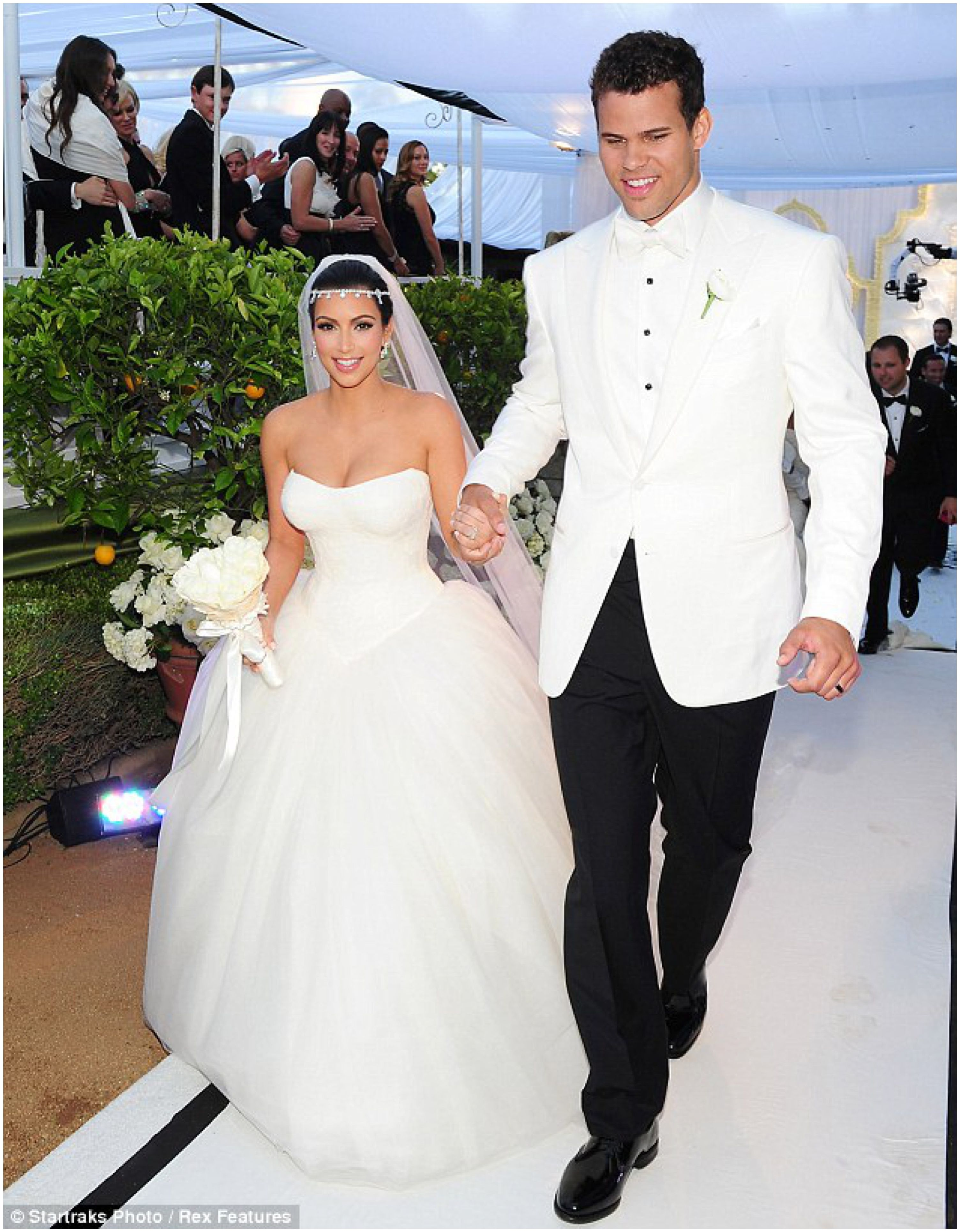 Wedding News Kim Kardashian S Wedding Dresses Kim Kardashian And Kris Humphries Wedding Kim Kardashian Wedding Dress Kim Kardashian Wedding Kardashian Wedding