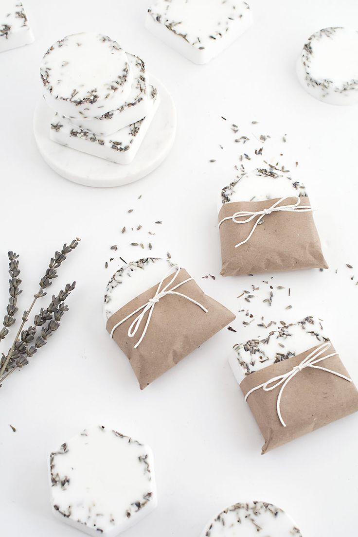 Last minute diy wedding decorations  Last Minute DIY Gifts Candles Lip Balm and Soap  Lips and Gift