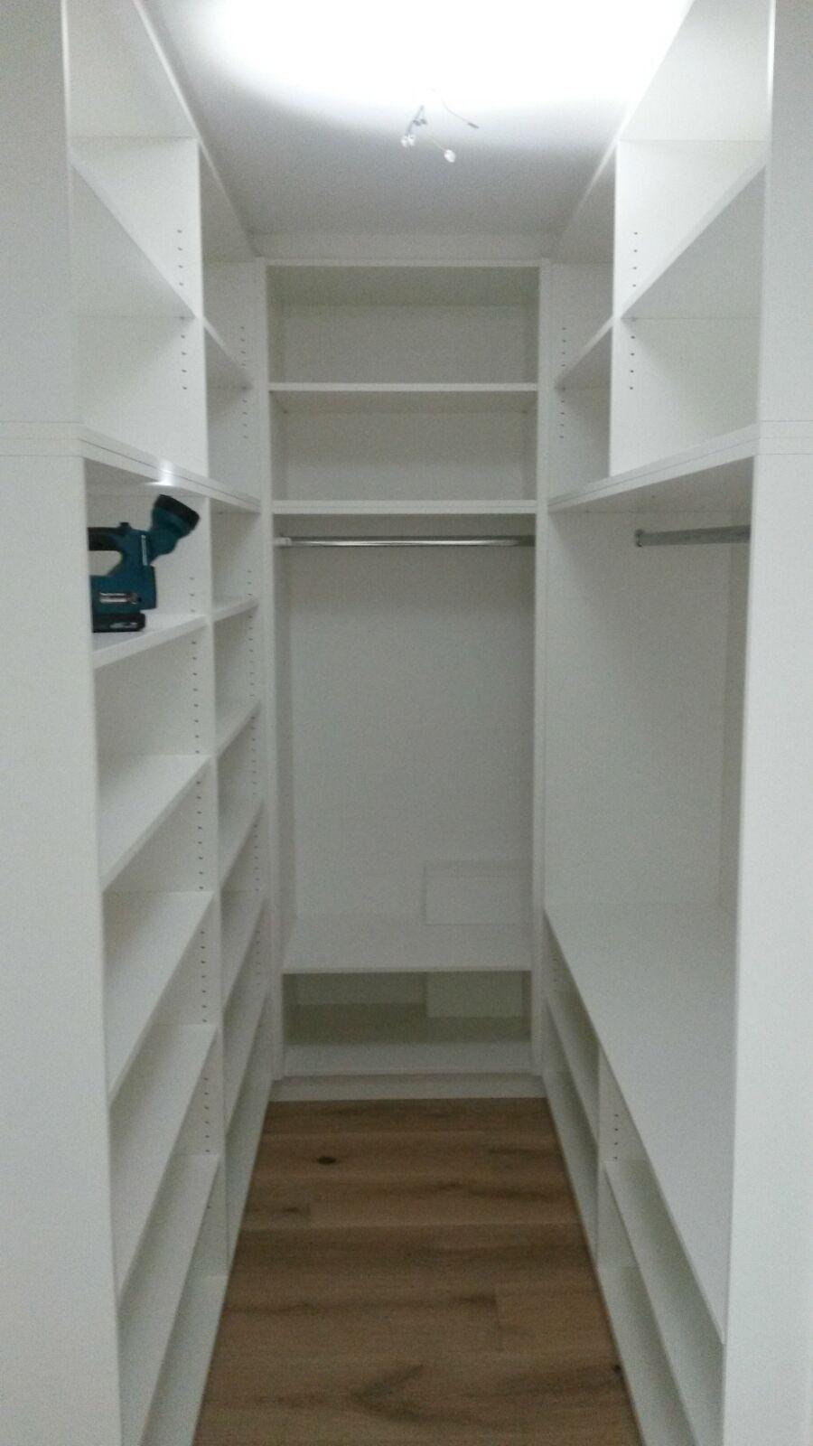 Kleiner Raum Begehbarer Kleiderschrank Небольшие гардеробные