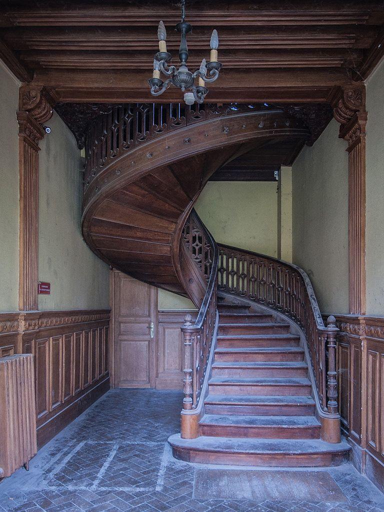 Ch 226 Teau Social Gryffondor Grande Dame Staircase Design