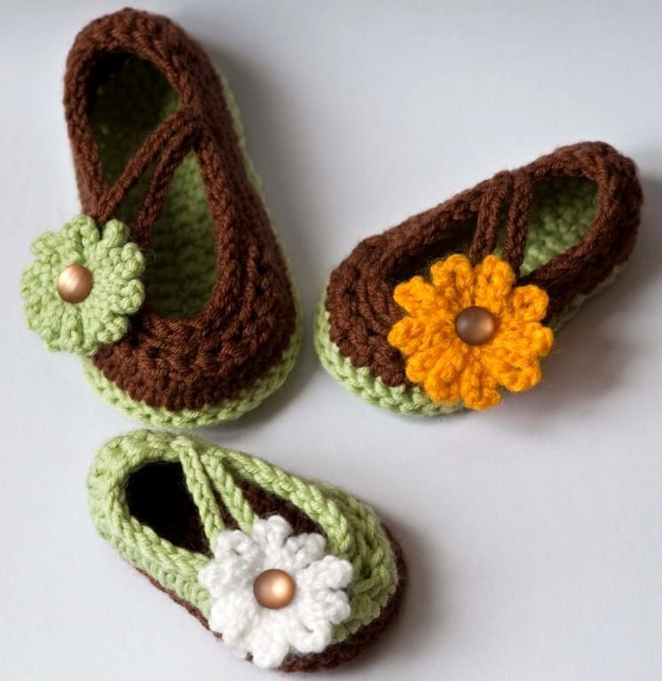 Cute Mary Jane Crochet infant shoes free pattern. Adapt for a ...