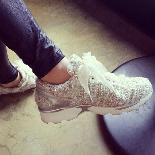 #namuhana #fashion #trend #designer #handmade #girlish #luxury #bling #tweed #hologram #spangle #sneakers #패션 #트렌드 #디자이너 #슈즈 #나무하나 #수제화 #스니커즈 #운동화 #홀로그램 #트위드 #스팽글 #걸리쉬 #럭셔리 #블링블링