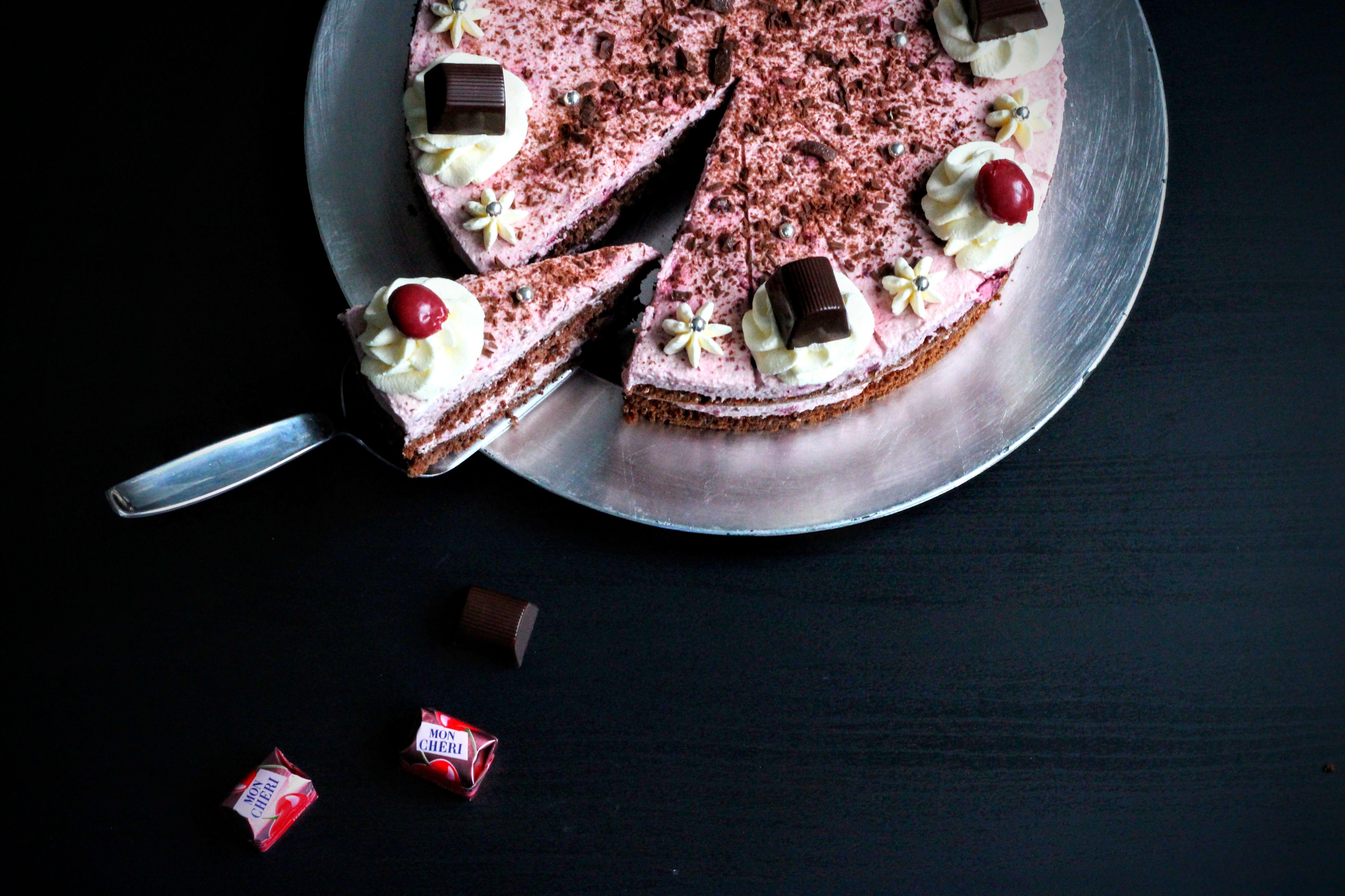 Wenn Kirsche auf Schokolade trifft wird an den besinnlichen Festtagen niemand zur rosafarbenen Mon