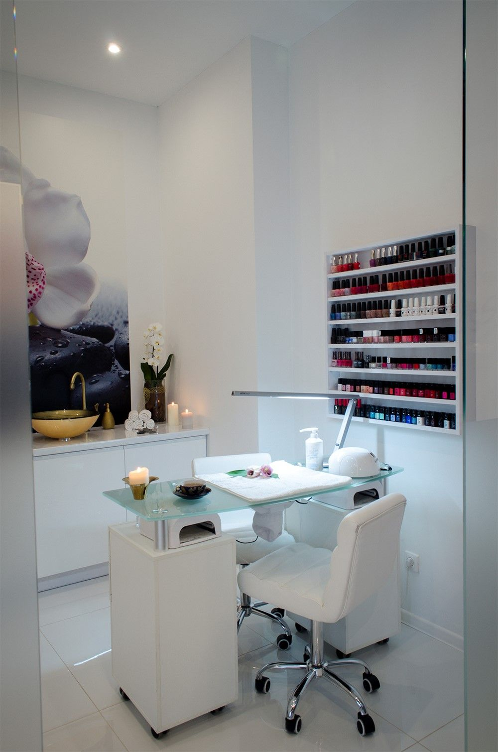 Light under table - salones | Pinterest - Salon, Nagel en Interieurs