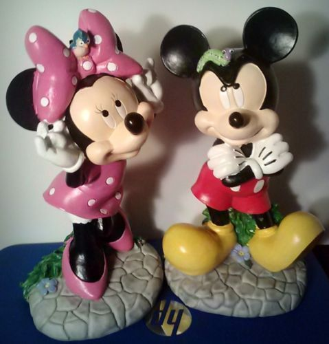 Disney-Mickey-Mouse-Minnie-Mouse-Outside-Garden-Figurines-Statues ...