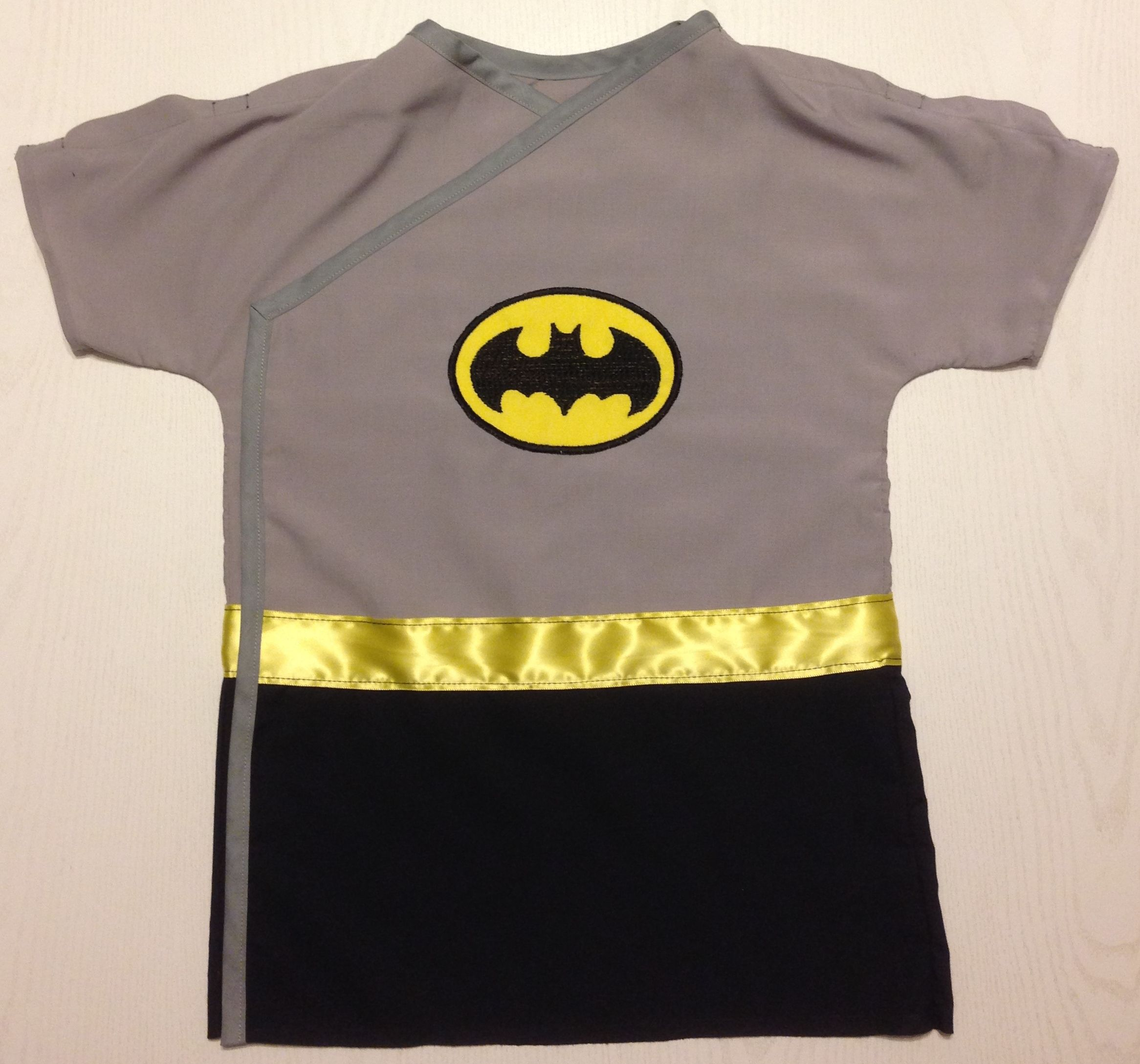 Superhero Batman IV Hospital Gown | Children\'s Hospital Gowns in ...