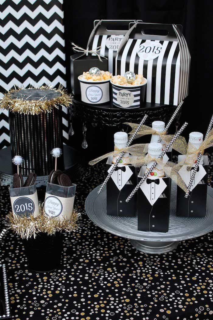 98f9053561dee9b43cf4fa97b0d59895 Ideas For Th Birthday Cake Male Black Amp White Th Birthday Cake