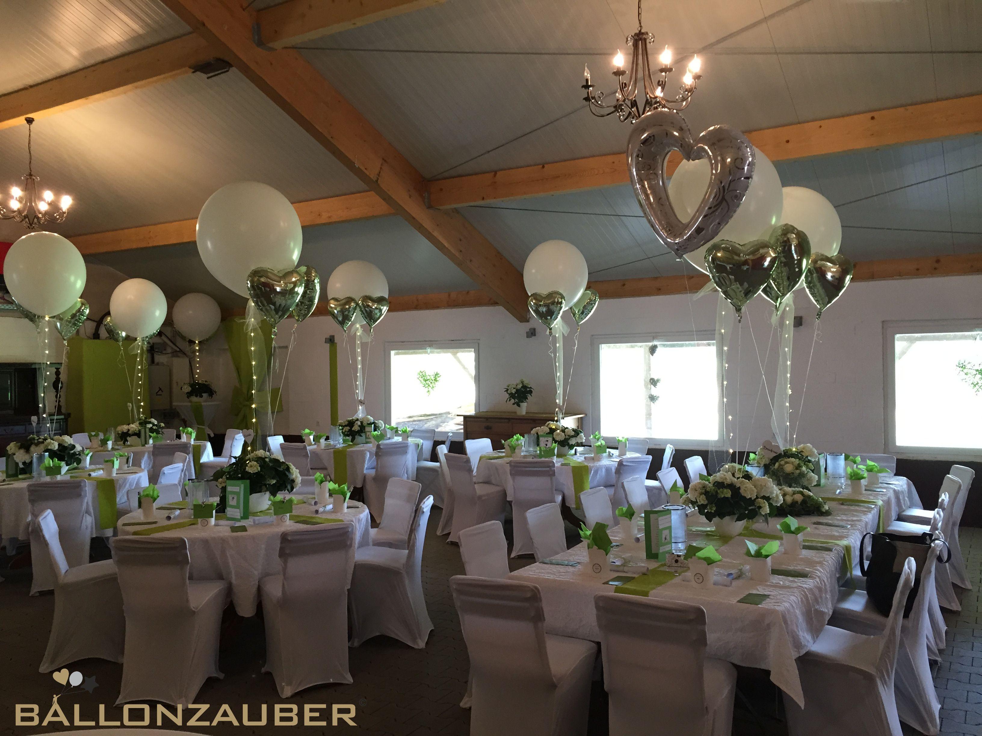 Effektvolle Hochzeitsdekoration Mit Riesenballons Silbernen Herz Ballons Und Led Lichtern Bal Ballondekorationen Luftballons Hochzeit Ballon Dekoration