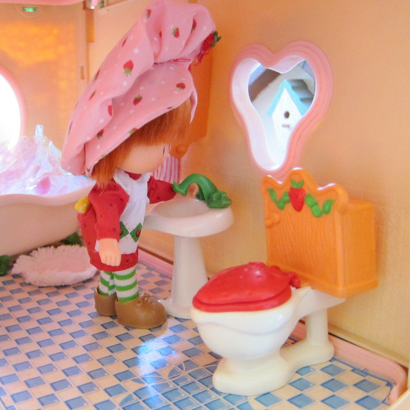 http://www.browneyedrose.com/collections/berry-happy-home-dollhouse/products/bathroom-sink-for-strawberry-shortcake-berry-happy-home-dollhouse