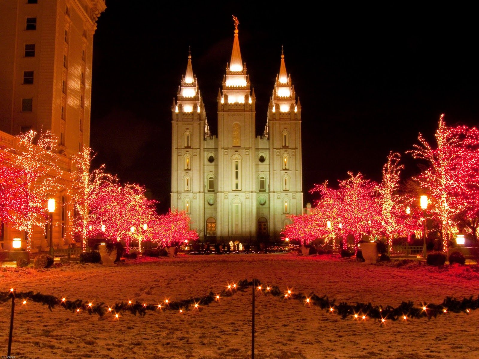 8 Facts About The Best Christmas Lights In Utah Temple Square Temple Square Christmas Temple Square Christmas Lights Best Christmas Lights