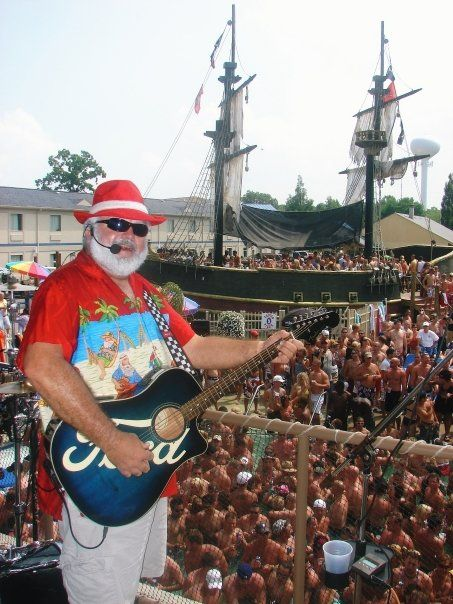 Put In Bay Christmas In July Pictures.Christmas In July At Splash On Put In Bay Just Pickin