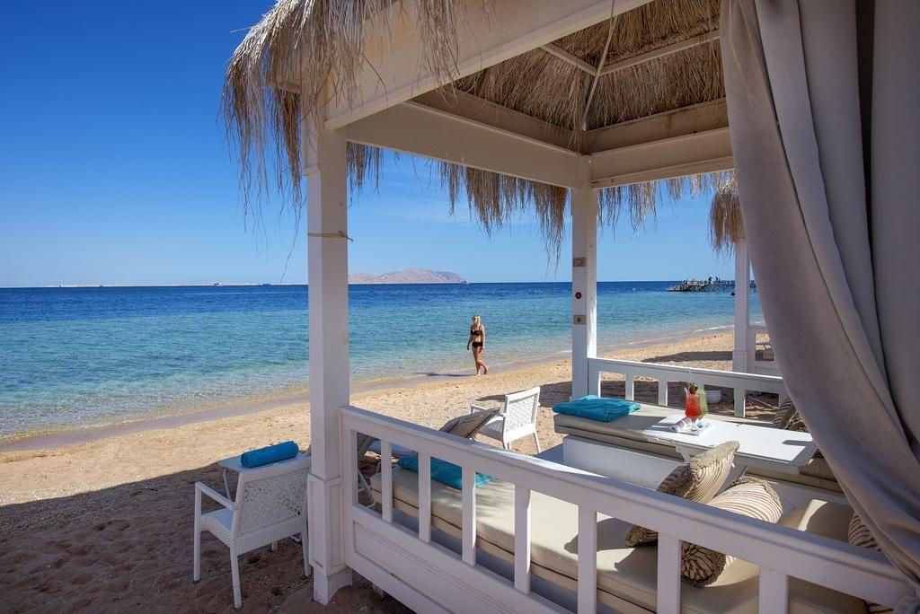 بتفكر في أفضل عروض فنادق شرم الشيخ مع أجازاتكو للسياحة هتلاقي عروض فنادق شرم الشيخ بأقل الأسعار وأفضل الخدمات مع أجازاتكو للسياحة ي Beach Resorts Resort Beach