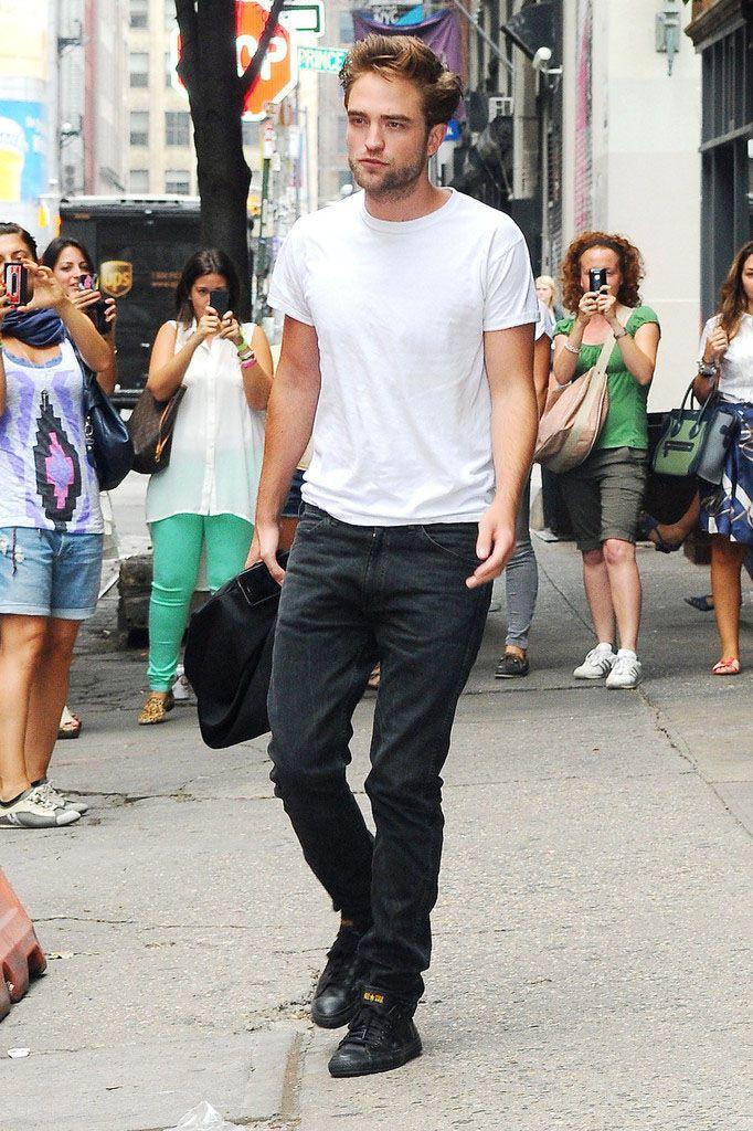 22598a68ee36 Robert Pattinson wearing Converse Chuck Taylor All Star Black Yellow ...