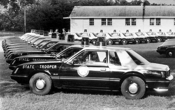 Florida Memory Brand New Police Cars For The Florida Highway Patrol Tallahassee Florida Police Cars Old Police Cars Ford Police