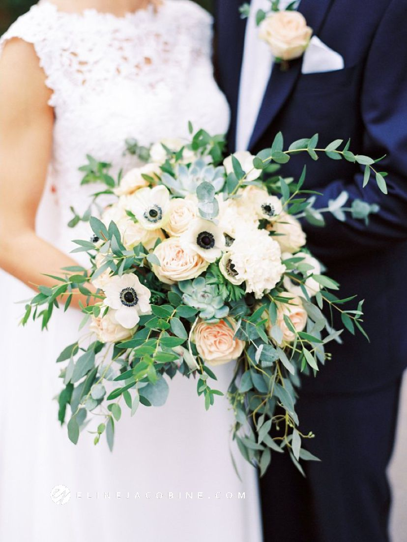 Ungdommelig Lush, green wedding bouquet with anemones, succulents, roses and JN-88