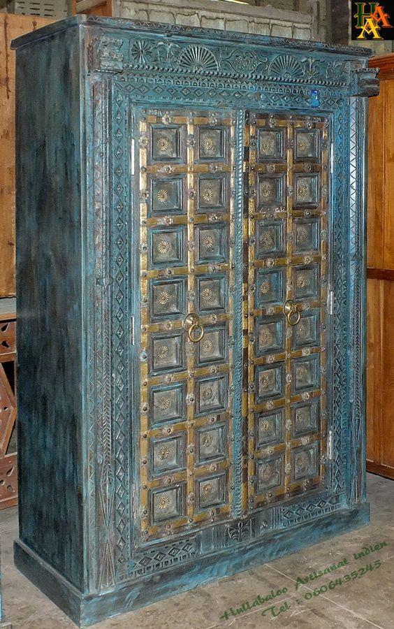 Grande armoire indienne avec des vieilles portes avec des for Decoration porte indienne
