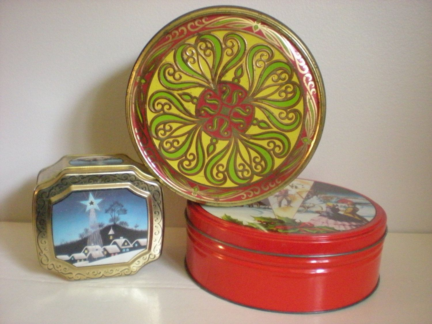 Decorative Cookie Containers Set Of Tins Christmas Cookie Tin Meister Fruit Cake