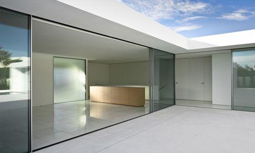 Atrium House In Spain By Fran Silvestre Arquitectos