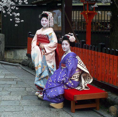 maikos tsuruha and takahiro, kyoto   japanese culture #kimono