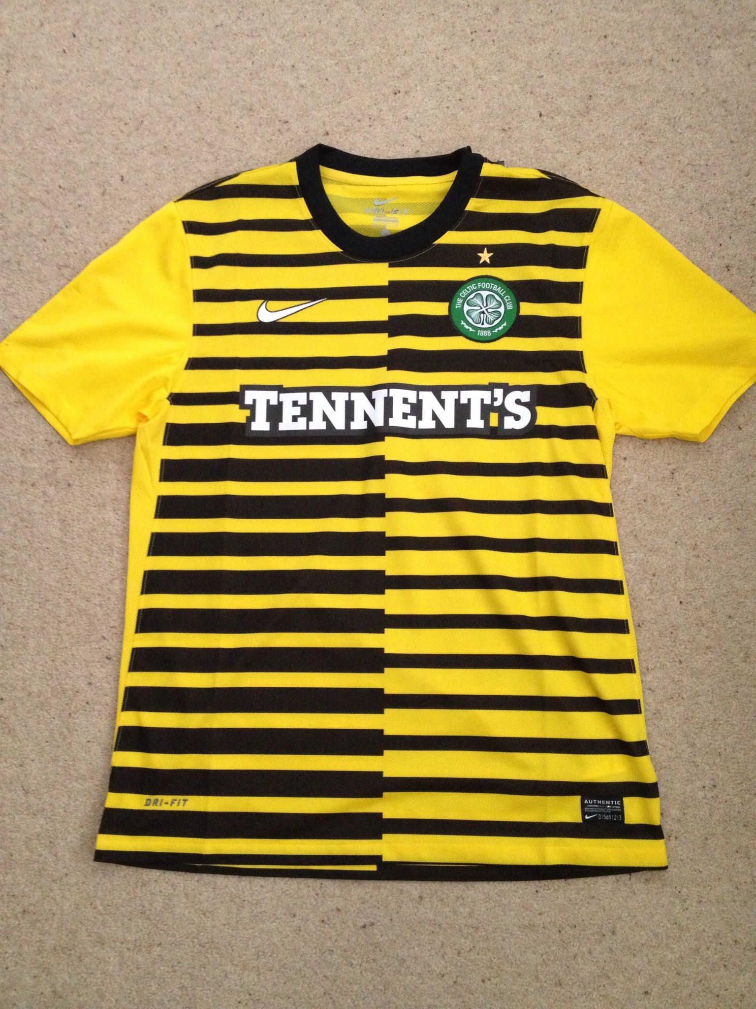 Celtic Away shirt, that is without doubt a marmite creation! I'm sorry to say that personally, this scores low 4/10
