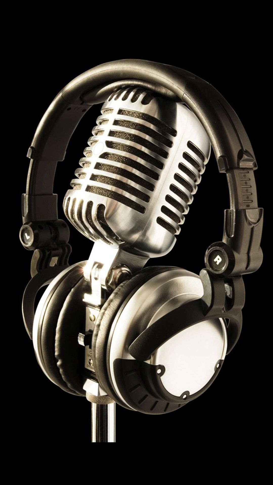 Mic And Headphone Macro Iphone 6 Plus Wallpaper Vintage Microphone Microphone Headphones