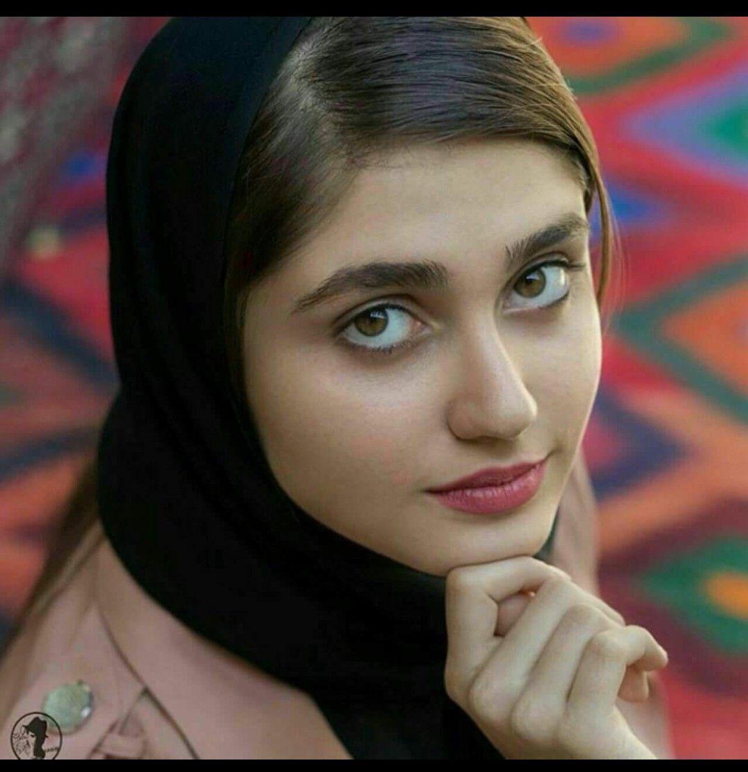 Iranian bare women — photo 12