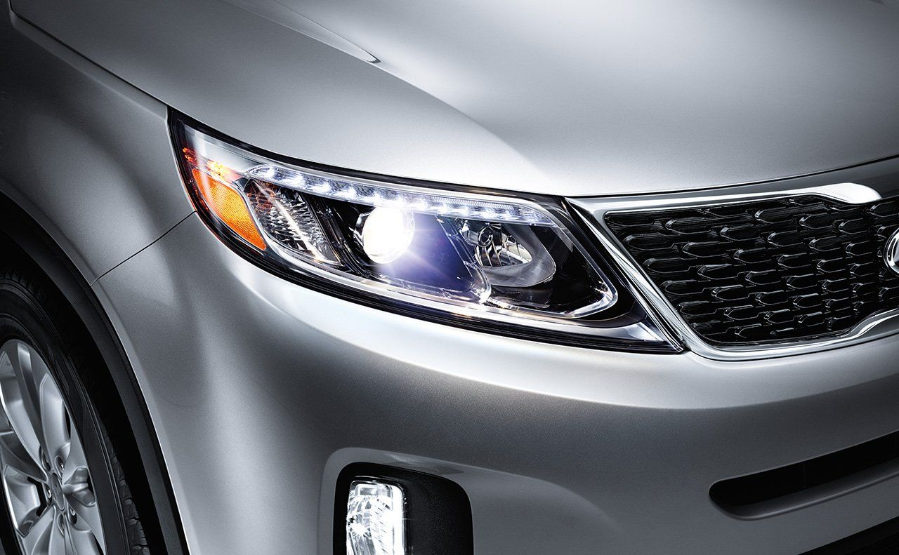2015 kia sorento crossover suv available hid headlights are self leveling and offer crisp lighting kia kia sorento crossover suv 2015 kia sorento crossover suv