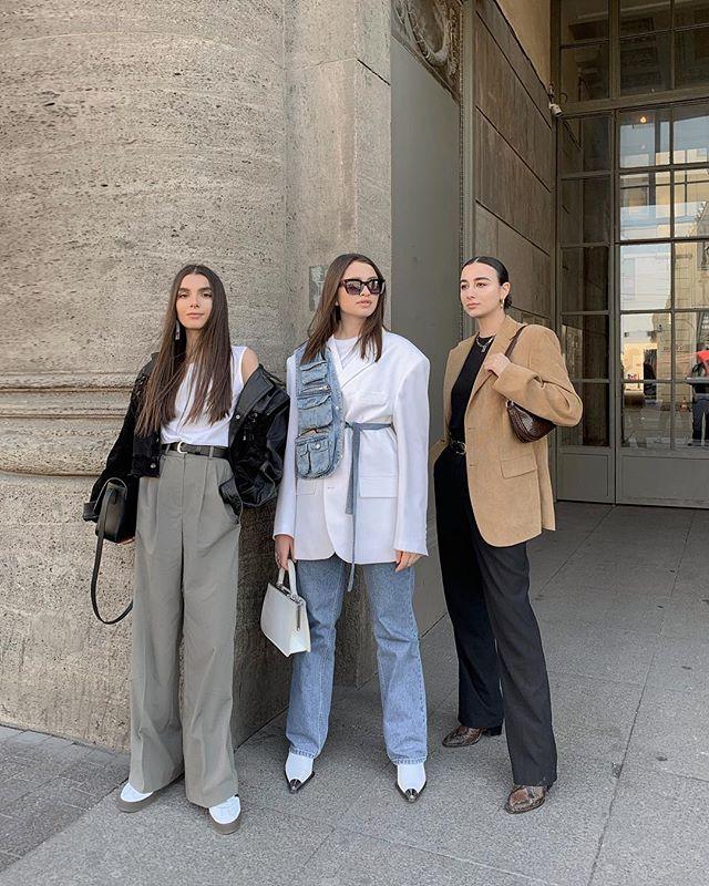"""Photo of Maria Chervotkina på Instagram: """"Det er som om de kommer fra en street style, men faktisk overdriv de ganske enkelt på grunn av det perfekte været og bursdagen til damen til høyre."""""""