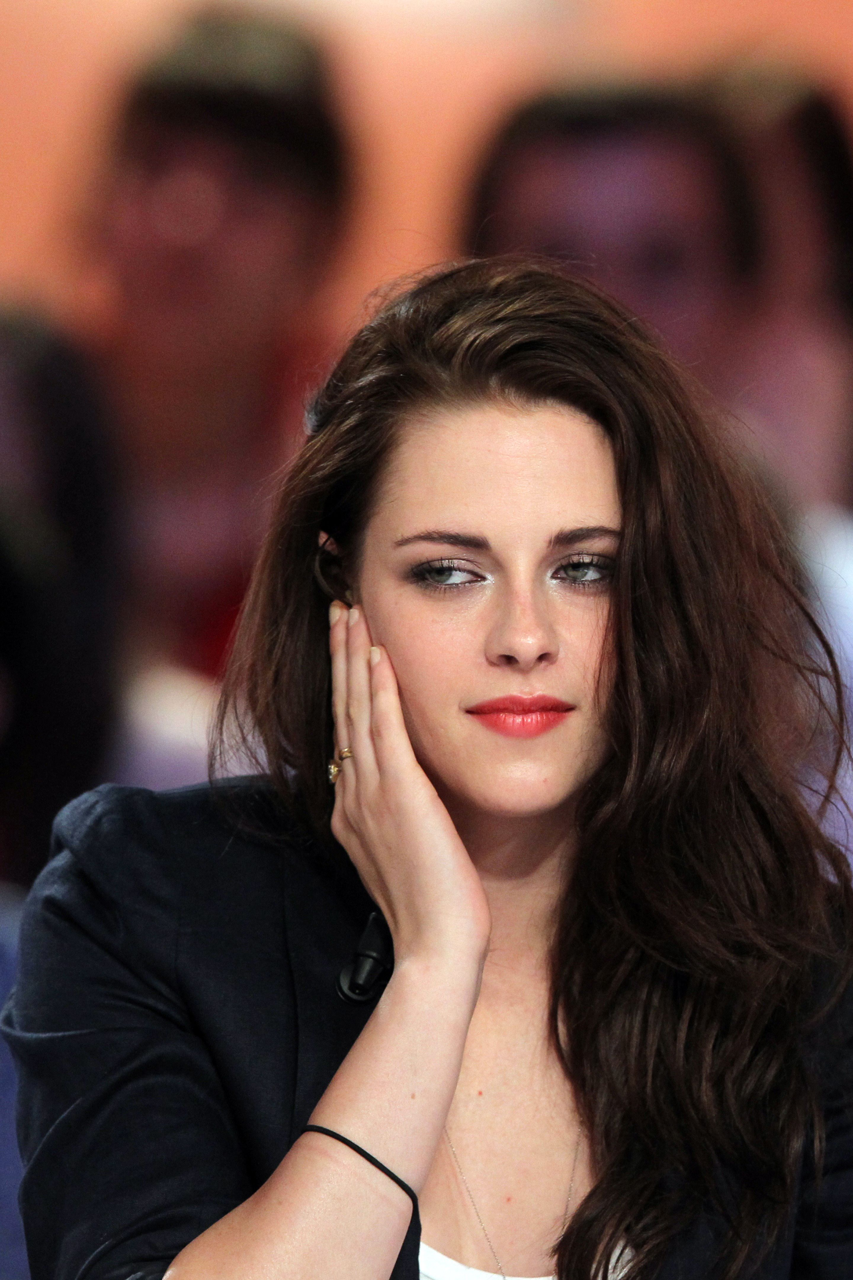 To acquire Stewart Kristen bella updo pictures pictures trends