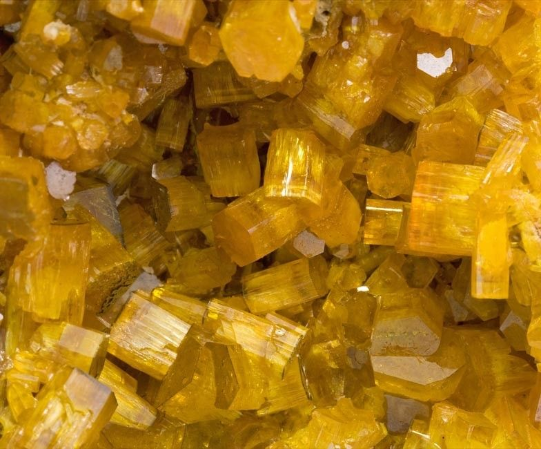 Mimetite. Pingtouling Mine, Sanjiang bei Lianzhou, Guangdong, Chine Taille=6 mm Copyright Fabre Minerals