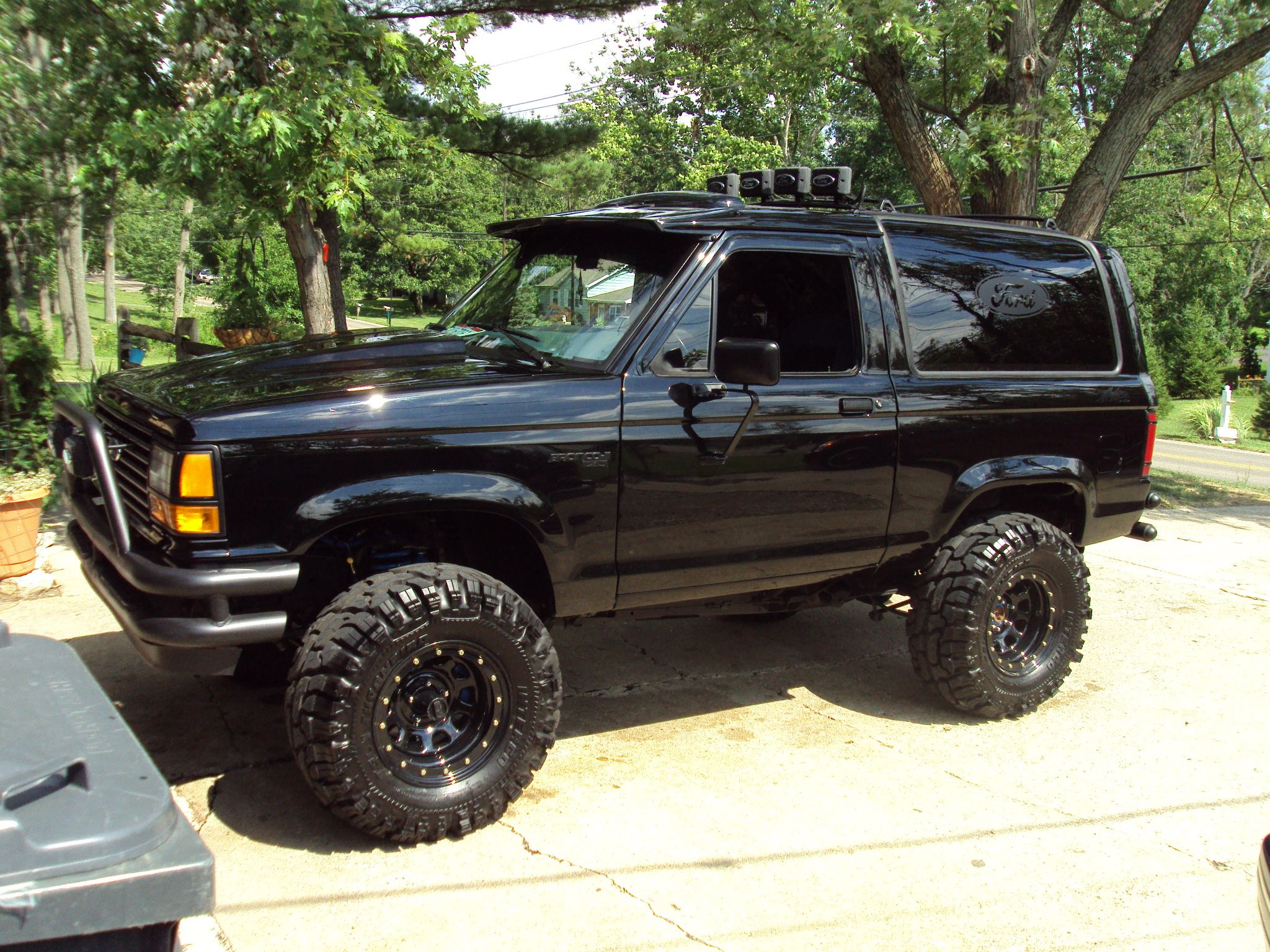 I cant wait for my bronco ii to be finished it will look similar to this
