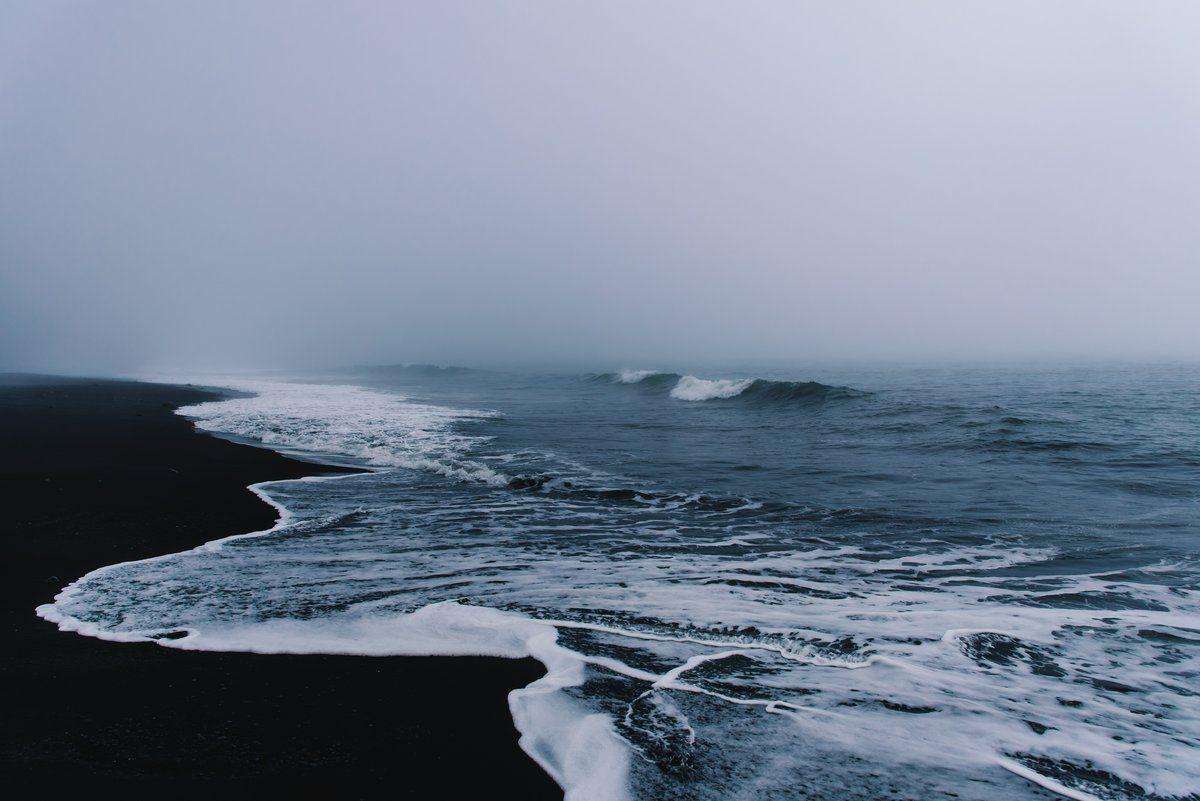 Black Sand Beach Of Vik Iceland In 2020 Aesthetic Desktop Wallpaper Macbook Wallpaper Landscape Wallpaper
