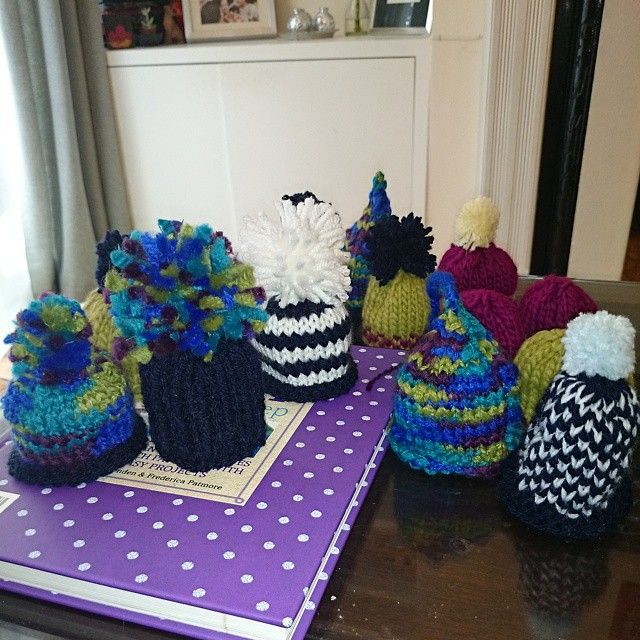 """jinnynguidesign """"They are multiplying #BigKnit @innocentsmoothies #AgeUK #getinvolved"""""""