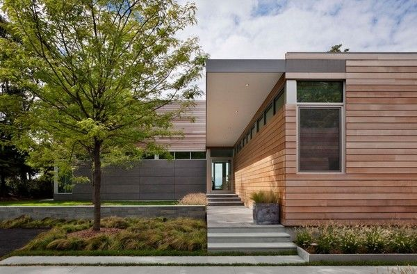 Sustainable Contemporary Home in USA With a Highly Appealing Look - http://freshome.com/2011/10/10/sustainable-contemporary-home-in-usa-with-a-highly-appealing-look/