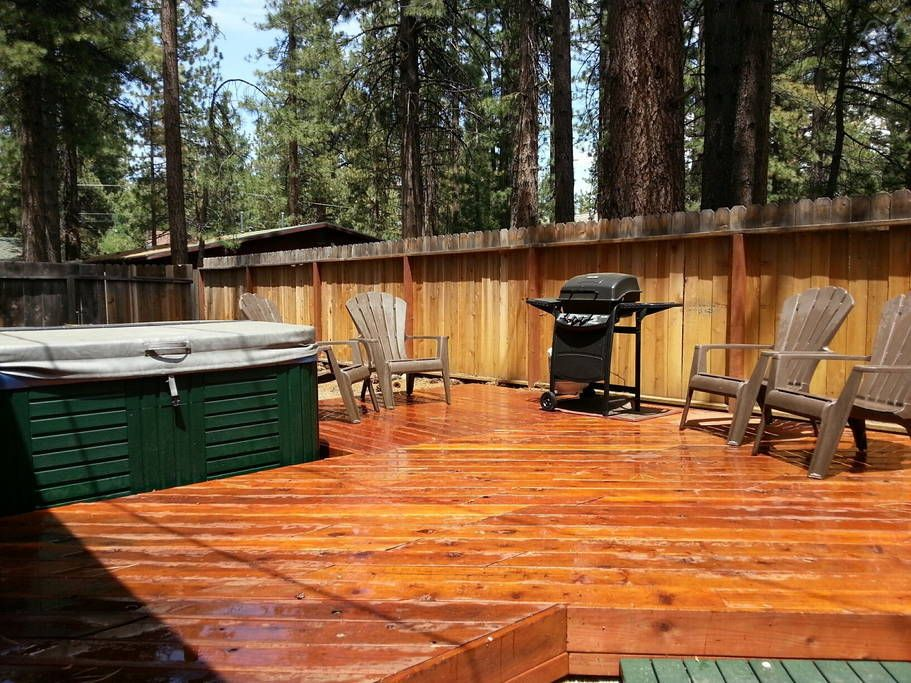 5 Bedroom Lodge Walk To Lake Beach Cabins For Rent In South Lake Tahoe Beach Houses For Rent Lake Beach House Beach Cabin