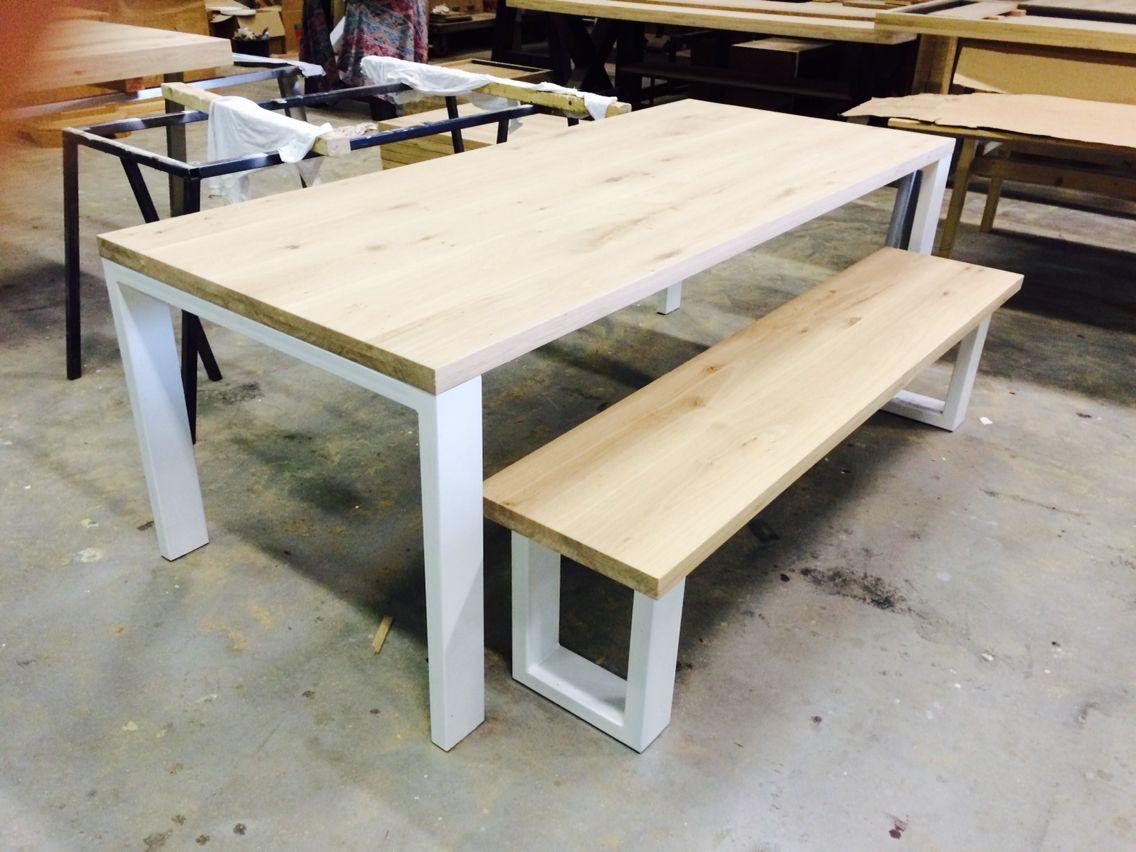 Wit Eiken Tafel : Massief eiken tafel met wit stalen poten loft furniture decor