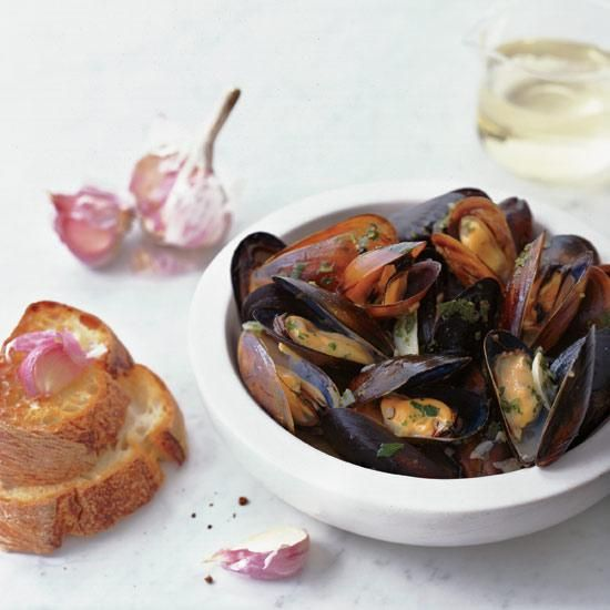 Sauvignon Blanc-Steamed Mussels with Garlic Toasts | A crisp, citrusy Sauvignon Blanc, such as Indaba, would be great in these mussels and to drink with them.
