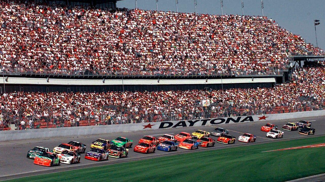 A Quick History Of The Daytona 500 Daytona 500 Nascar News Daytona International Speedway