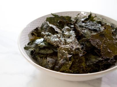 Kale chips recipe trisha yearwood kale and snacks kale chips healthy junk foodhealthy eatshappy forumfinder Image collections
