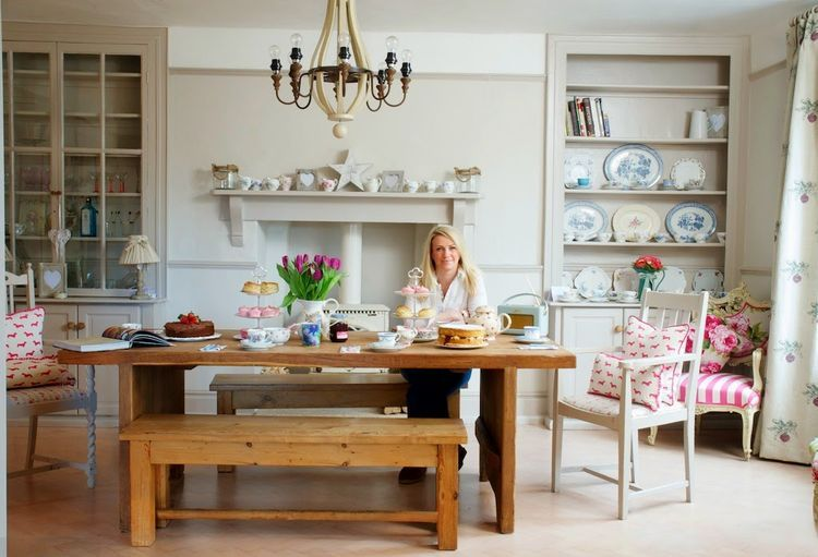 Home Tour Kate Macey From The Great Interior Design Challenge Modern Country Style Country Kitchen Farmhouse House Beautiful Magazine Country Modern Home
