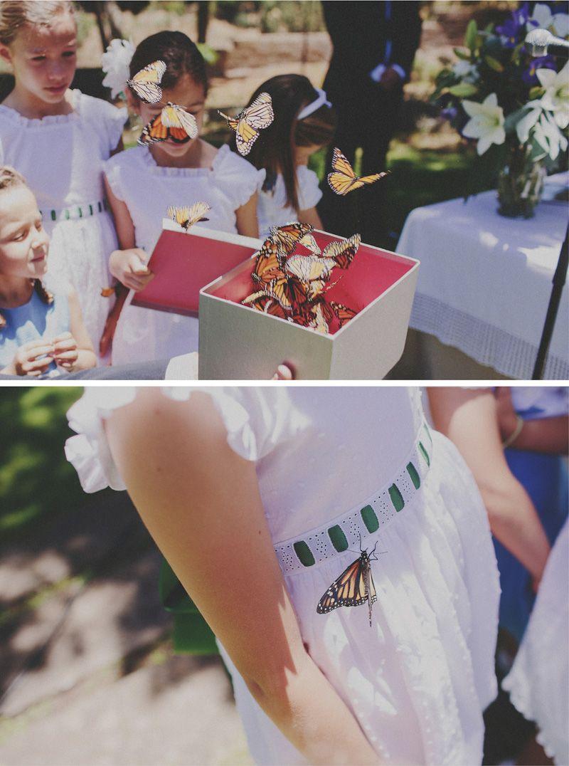 Niñas de arras con vestidos de piqué {Foto, Pablo Beglez} #flowergirl #pajes #tendenciasdebodas