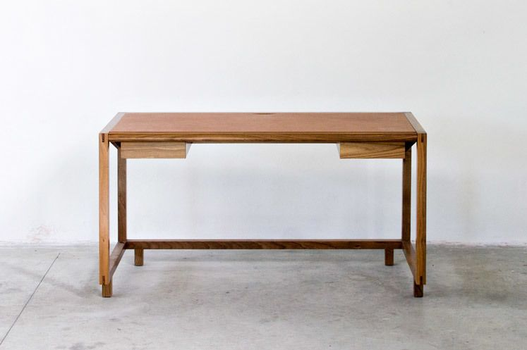 Oriental dovetail joint style desk 사개물림 스타일의 책상 디자인