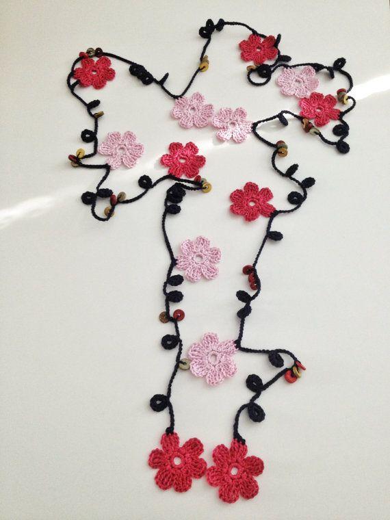 Rose Blumen türkischem Stil Perlen Halsband von GabyCrochetCrafts
