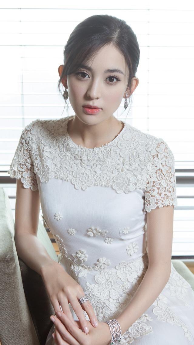 白衣裙古力娜扎气质写真手机壁纸