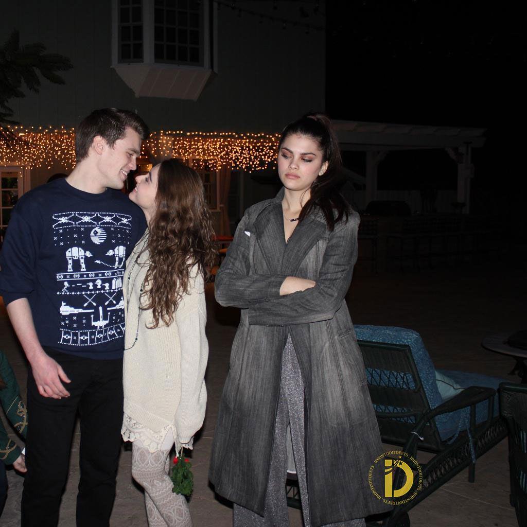 are sarah carpenter and peyton clark dating
