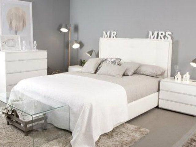 23 fotos decoraci n dormitorios modernos blanco y gris for Decoracion de habitaciones de matrimonio en blanco